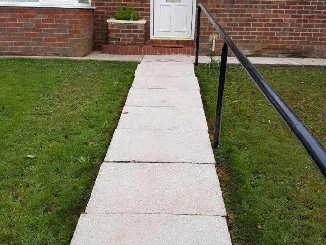 AFTER RESULTS paving stones are completely clean of marks and Lichen